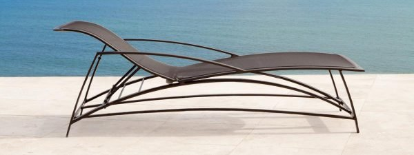 Wave Parabolic Chaise